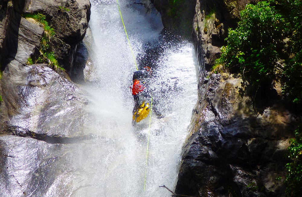 Canyoning-Alpine-Passion-Tessin2_1000x655